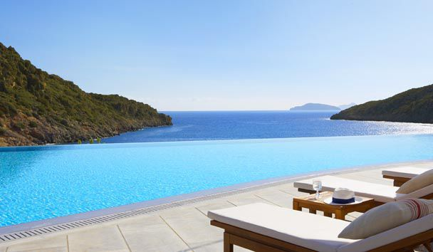 Daios Cove Luxury Resort & Villas: Infinity Pool