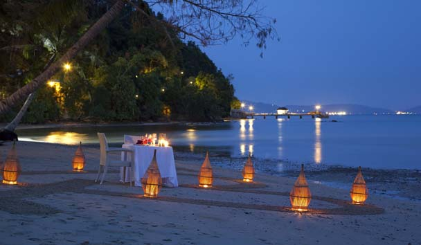 Gaya Island Resort: Romantic Beach Dining