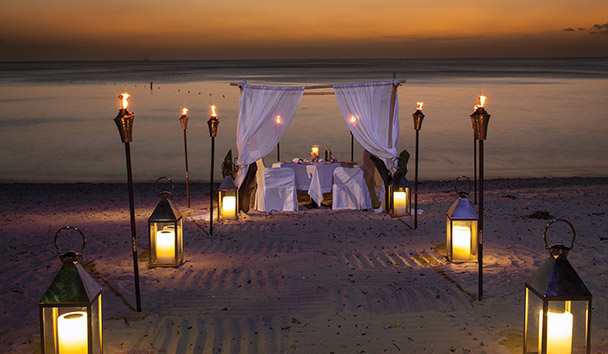 Sandy Lane: Beach Dinner