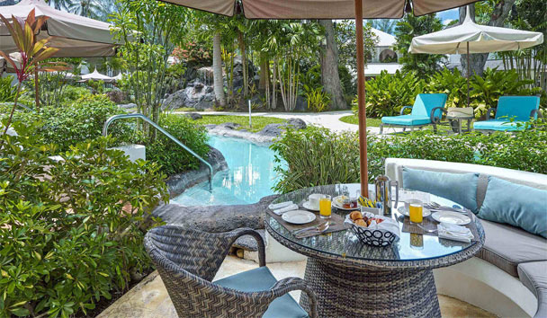 Colony Club by Elegant Hotels: Pool