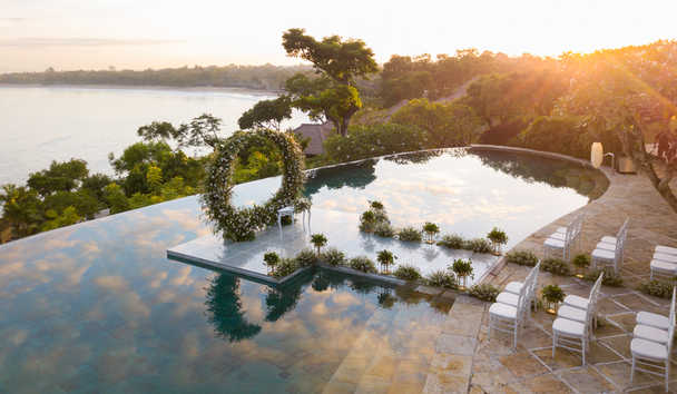 Four Seasons Resort Bali at Jimbaran Bay: Waterside Wedding