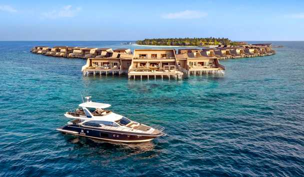 The St. Regis Maldives Vommuli Resort: John Jacob Astor Estate