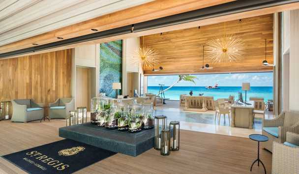 The St. Regis Maldives Vommuli Resort: Reception