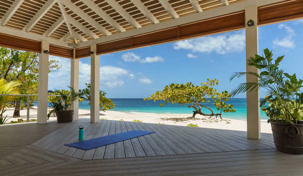 Spice Island Beach Resort: Beach Pavilion Yoga